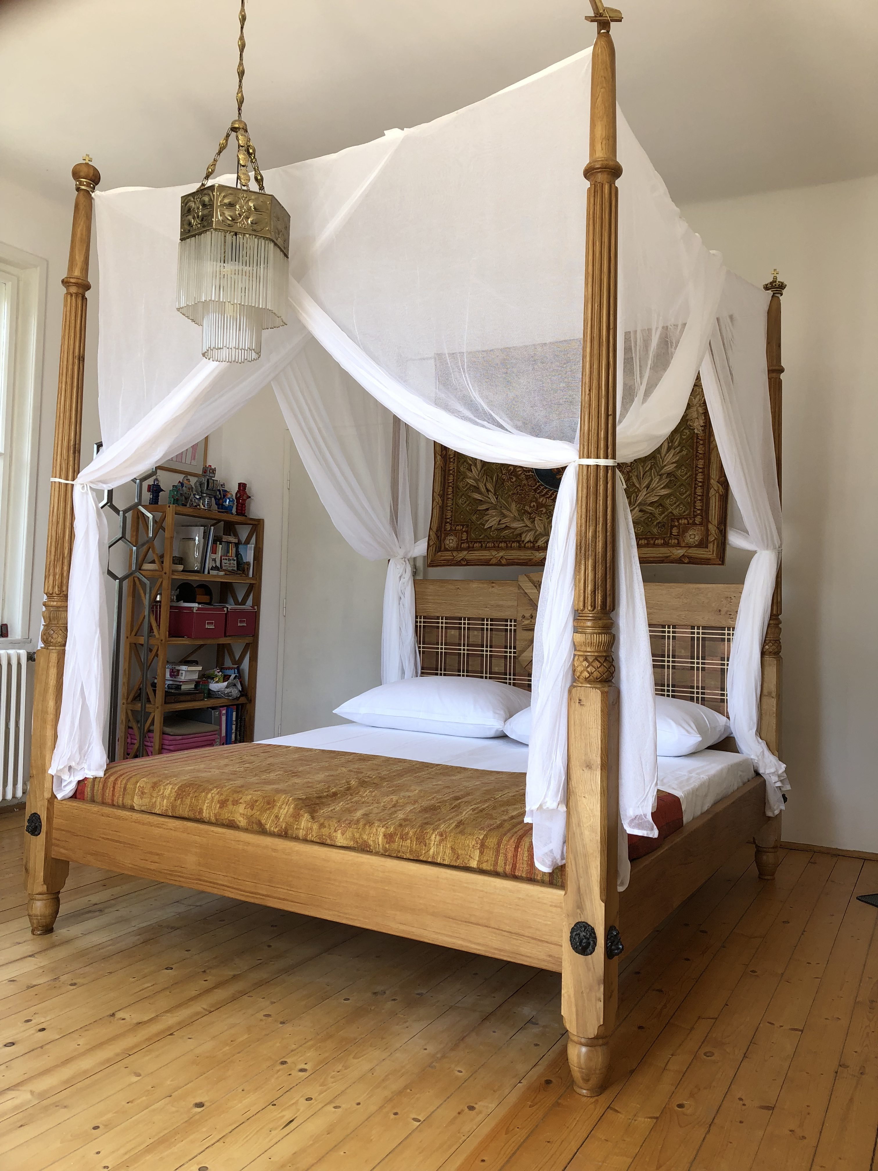 - Thistle And Rose 500 Year Anniversary 4 Poster Bed – Www